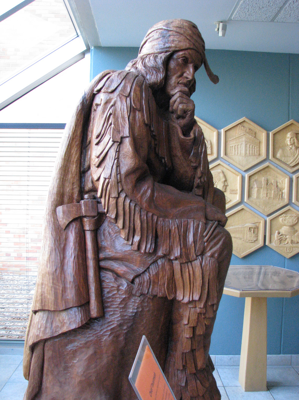 a%20word%20carved%20sculpture%20of%20Chief%20Tecumseh